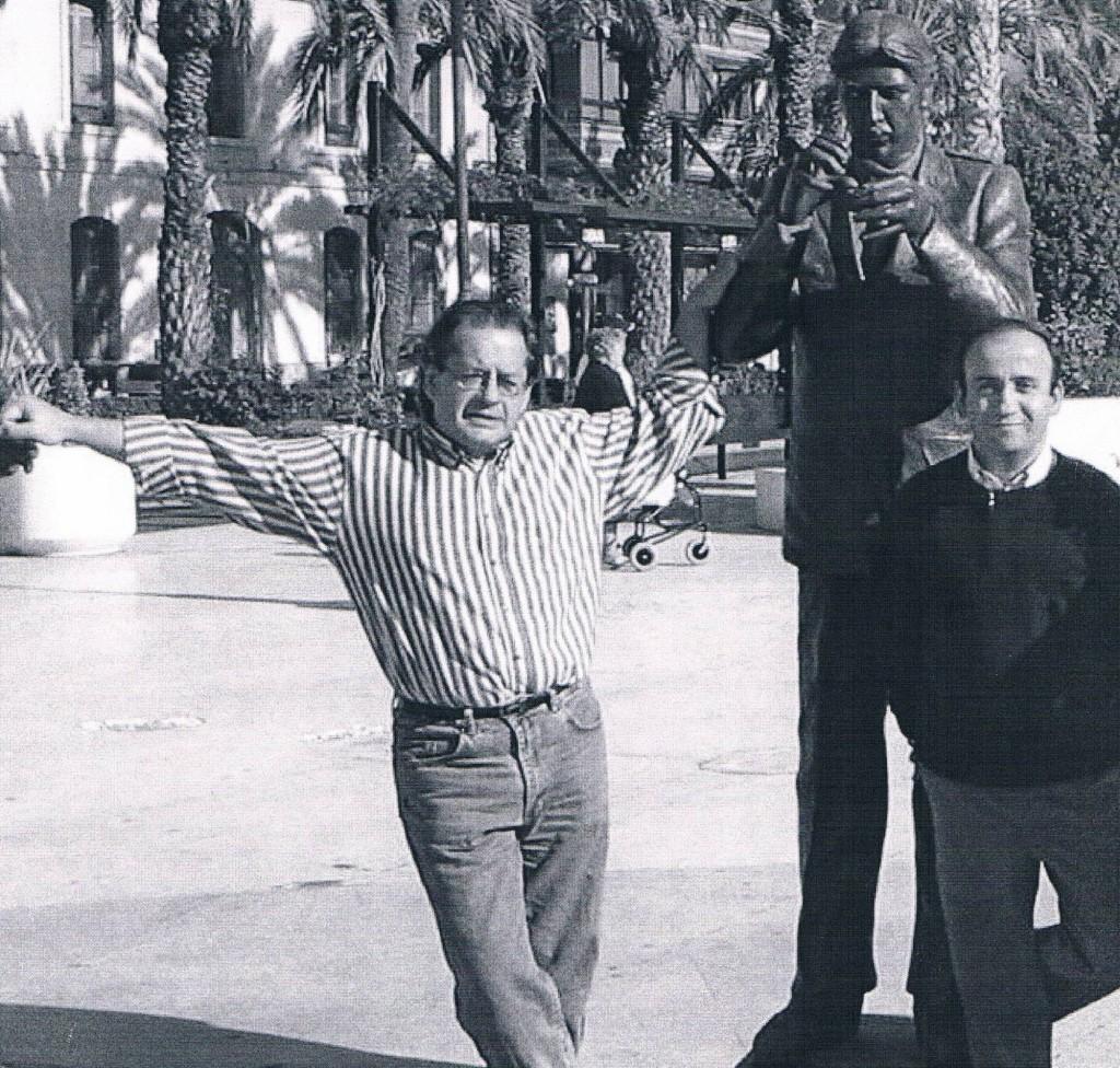 2003.12. En Torrevieja, con Luis Lucio, entonces redactor de Cambio 16. Al lado estaba Miguel Ángel del Arco.